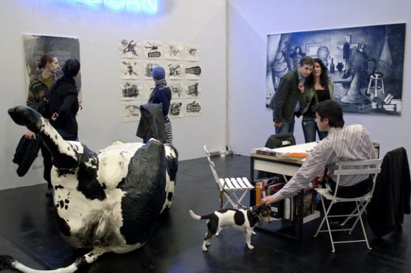 foto0017_Dolph+Kessler+Fotografie-Art+fairs+-+galeriehouders+-+meubilair+-+2006+e.v+_1242969395