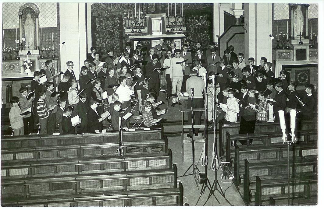 Plaatopname-koor-Ignatius-College-juni-1965-klein