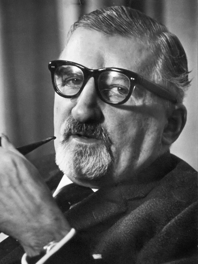 Wilhelm_Tenhaeff_(1964)